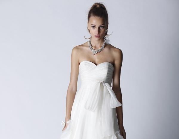 fall-2011-bridal-gown-farren-sweetheart-neckline