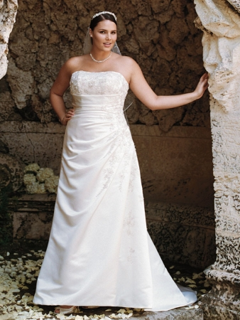 david 39 s bridal designer wedding dresses onewed. Black Bedroom Furniture Sets. Home Design Ideas