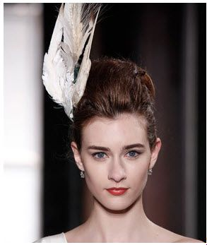 Carolina Herrera: Plume feather for bride