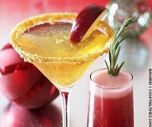 Holiday martini with a touch of ginger- perfect for your winter wedding signature cocktail!