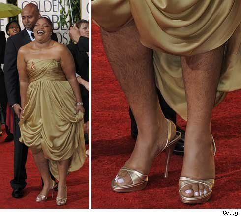 Comedian Mo'Nique shows off her unshaven legs at the 2010 Golden Globes.  Yuck!