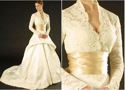 Beautiful Ivory Monique Lhuillier Lace Wedding Dress With Vneck And