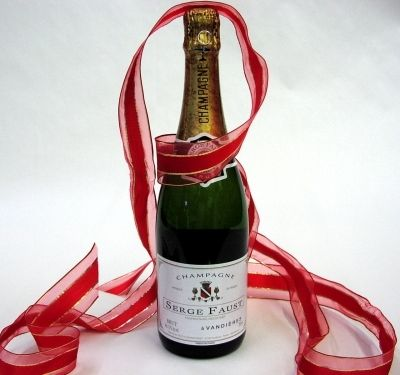 Organic bubbly- Serge Faust french champagne for your wedding