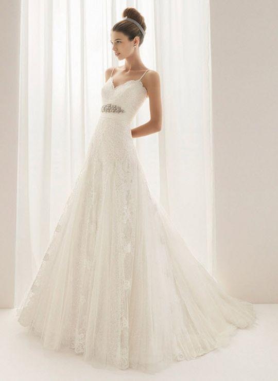Beautiful romantic Aire Barcelona lace wedding dress