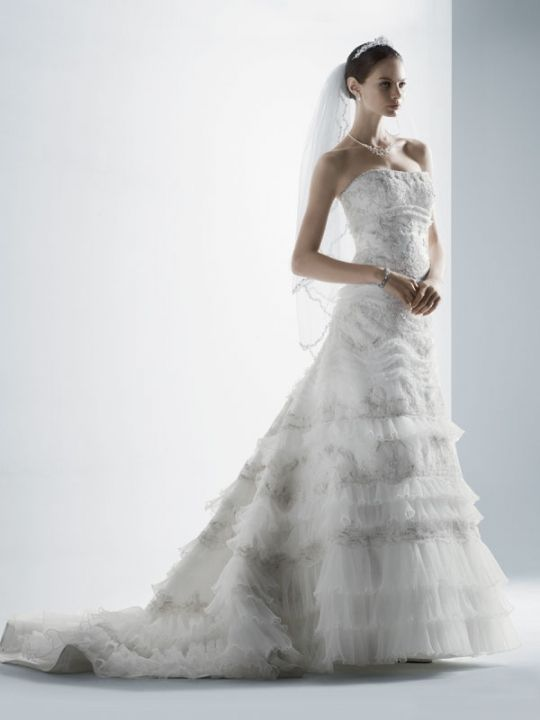 Hot off the bridal runway new wedding dresses from davids for Wedding dress designer oleg cassini
