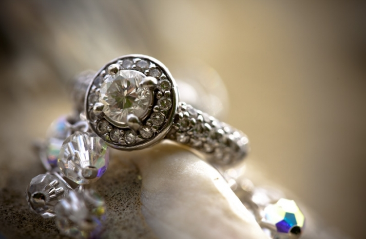 ted-ng-out-of-this-world-engagement-ring-photo
