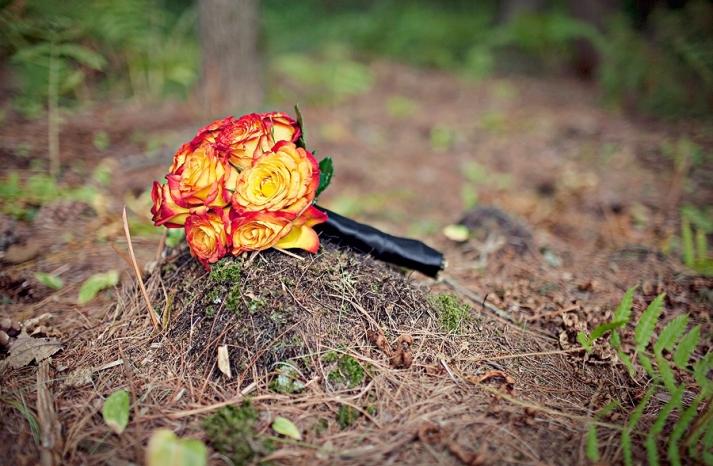 new-hampshire-rustic-wedding-vibrant-orange-bridal-bouquet