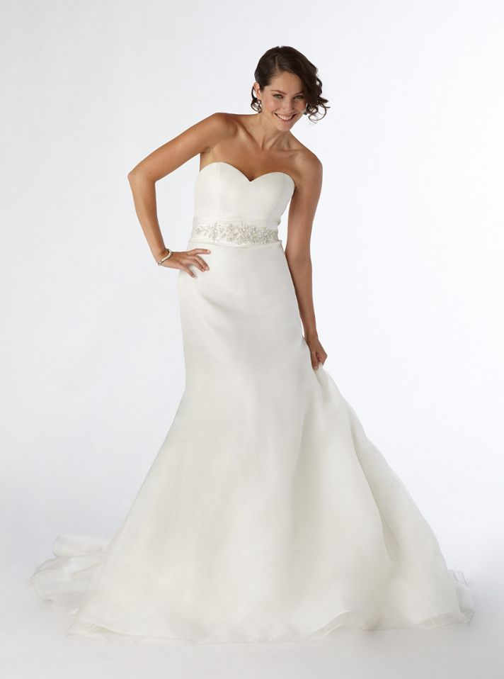 White sweetheart neckline mermaid wedding dress with crystal beading
