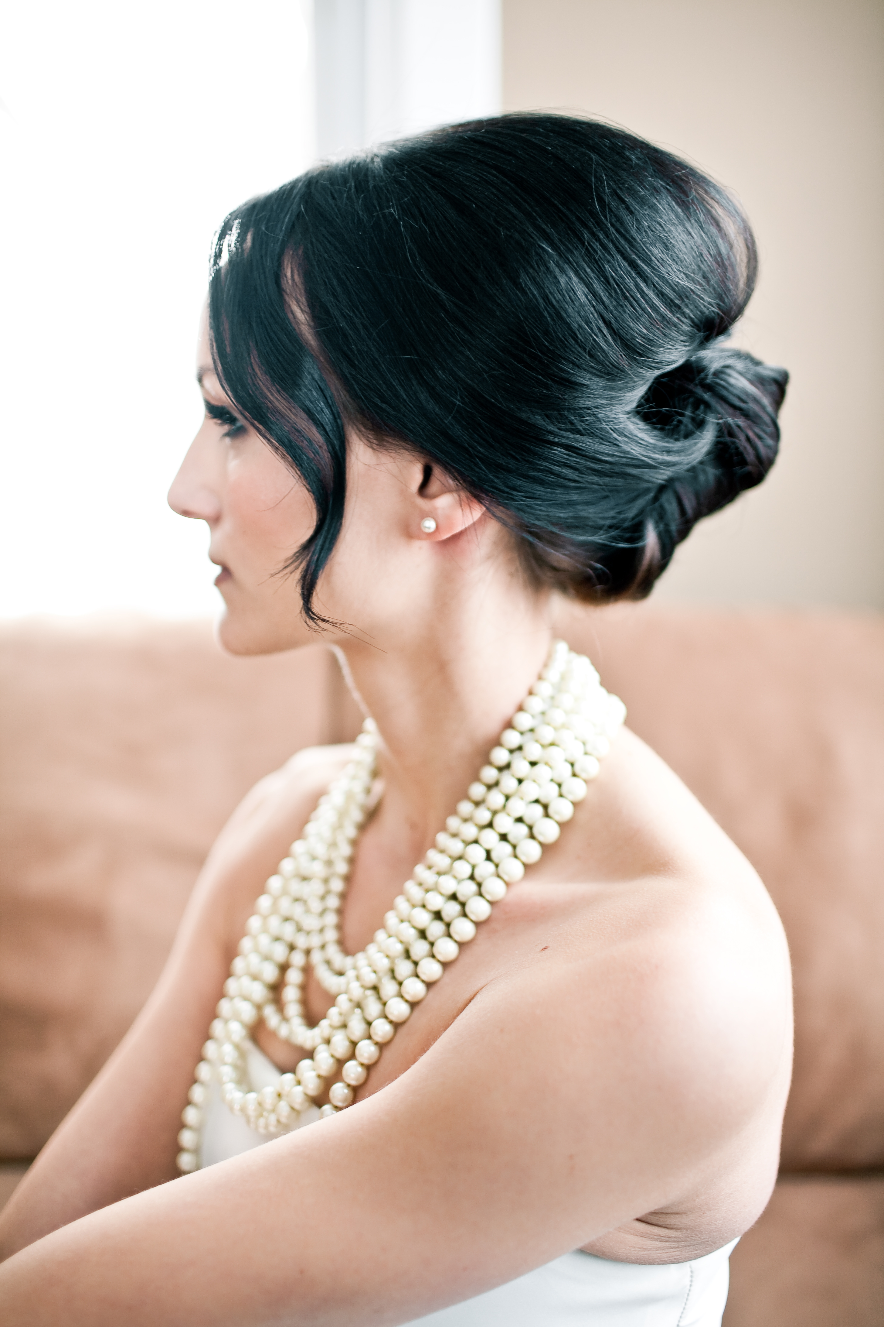 Модные свадебные прически 2012 (фото)
