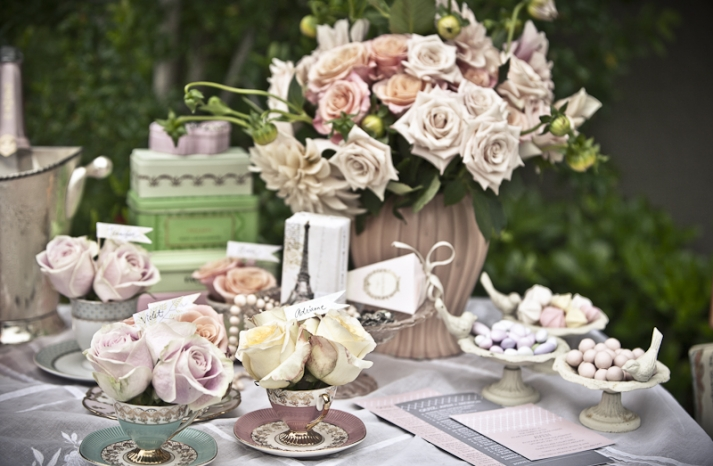 DIY-wedding-ideas-wedding-flowers-reception-centerpieces-romantic-vintage-chic-wedding