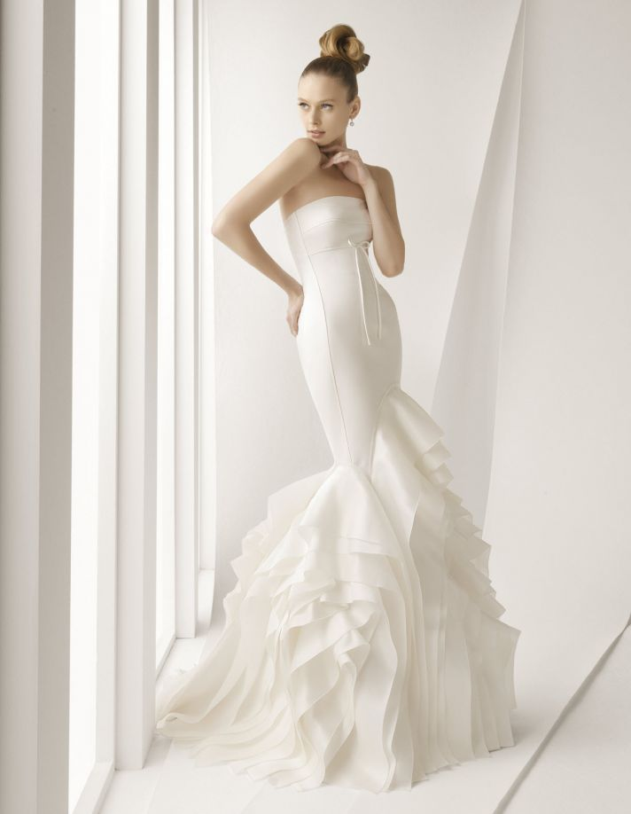 Rosa clara spring 2012 bridal gowns lace luxury sleeved for Wedding dress rosa clara