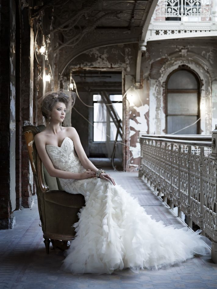Vintage-inspired Fall 2011 wedding dress