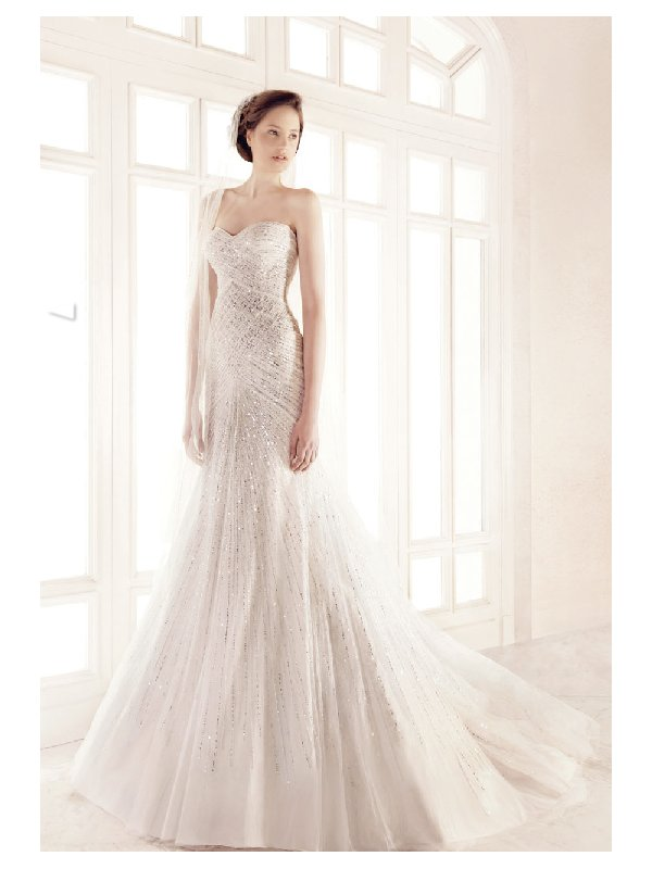 Elegant one-shoulder beaded wedding dress