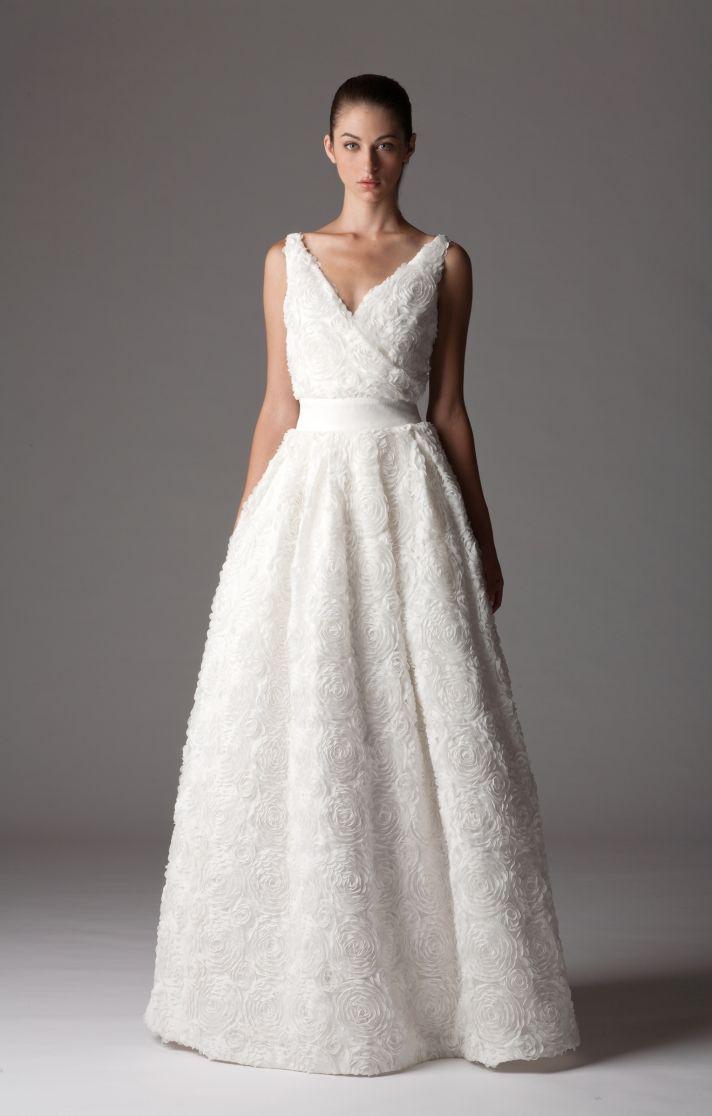 Luxurious v-neck wedding dress