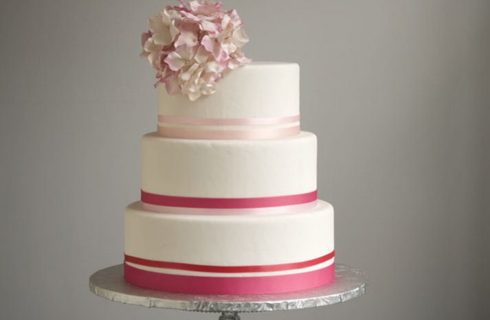 Pink-white-wedding-cake