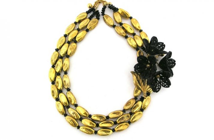 Statement-wedding-necklace-gold-black