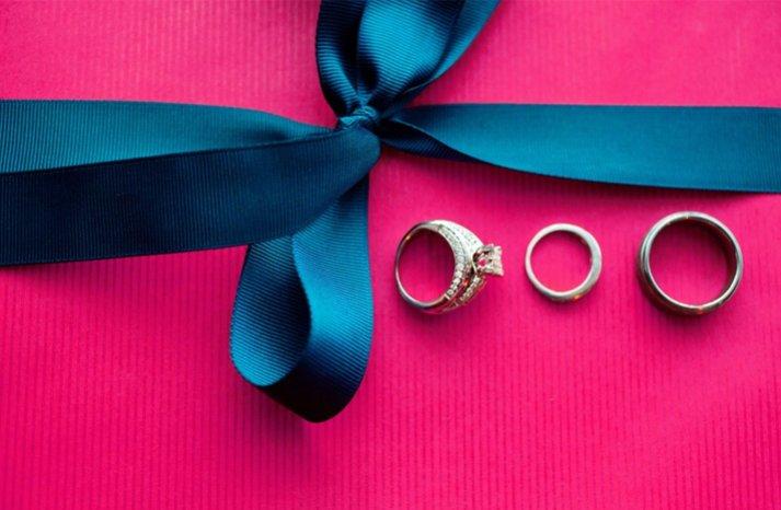 brides engagement ring wedding bands