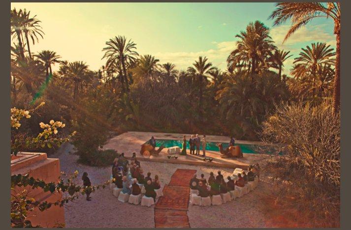 desert wedding offbeat wedding style casual marrakech wedding ceremony