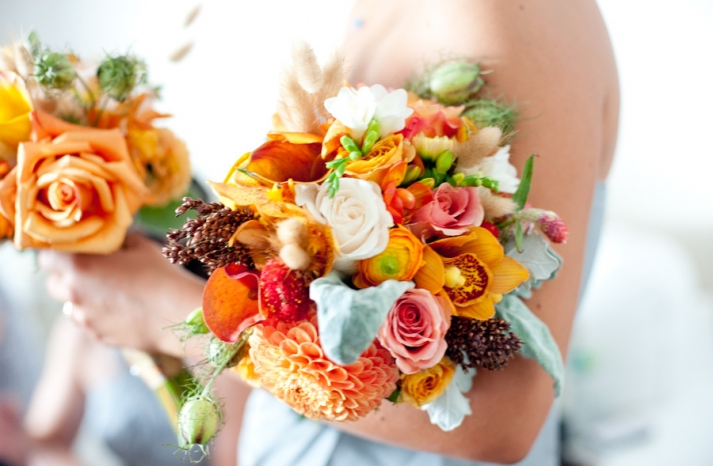 colorful wedding flowers bridal bridesmaids bouquets