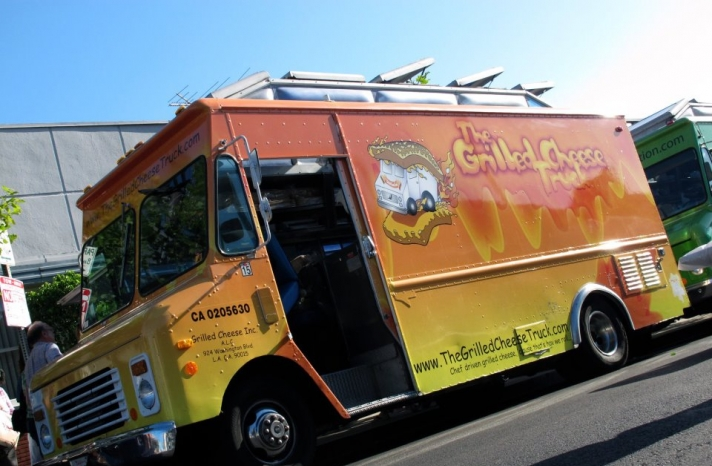wedding reception food trucks grilled cheese