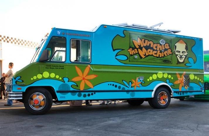 groovy wedding ideas munchie machine food truck
