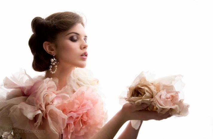 short wedding hairstyle romantic bridal style