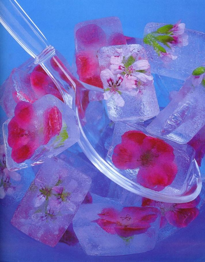 floral ice cubes wedding DIY project