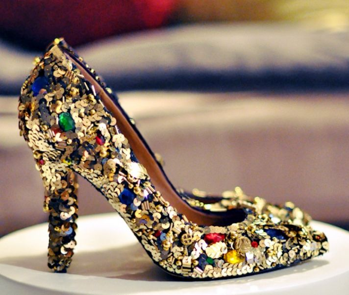 wedding DIY for sparkly brides bedazzled wedding shoes