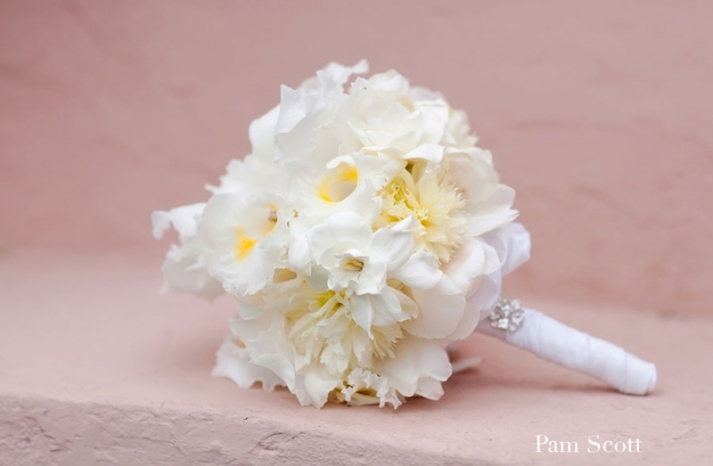 white yellow bridal bouquet beach wedding blooms