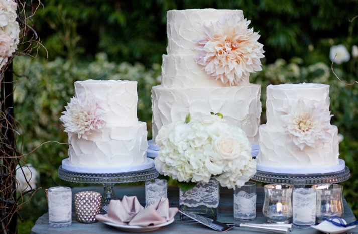 romantic wedding cakes by sweet and saucy