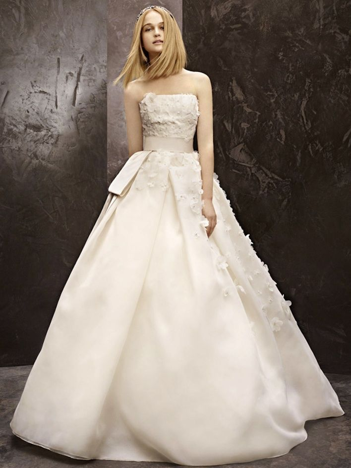 7 stunning new wedding dresses from white by vera wang for Wedding dresses that are white