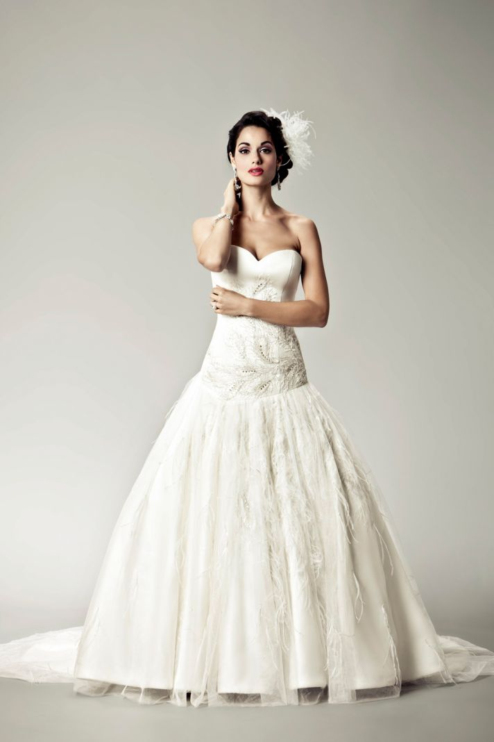 15 Divine Wedding Dresses for the Vintage Glam Bride