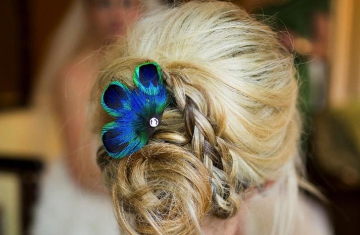 wedding color inspiration navy blue bridal wedding finds peacock feather fascinator