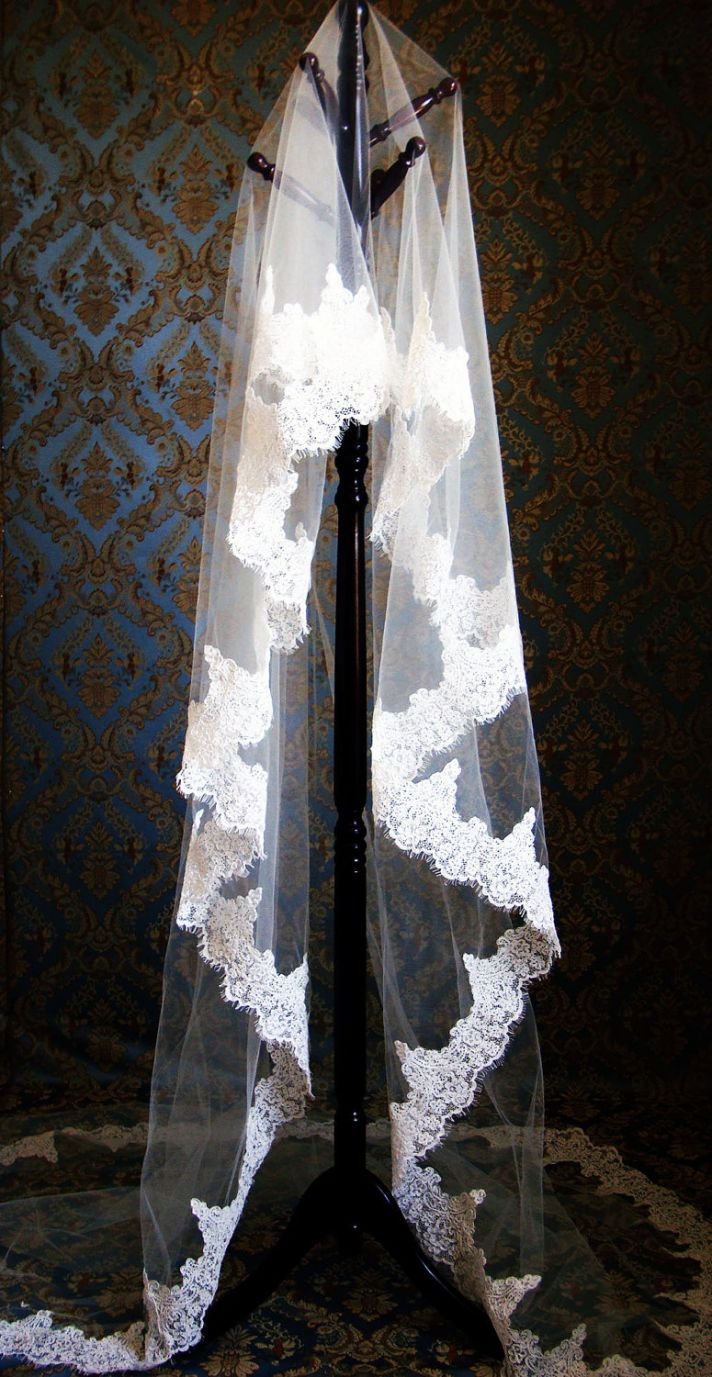 romantic wedding accessories bridal head chic Mantilla veils lace and tulle