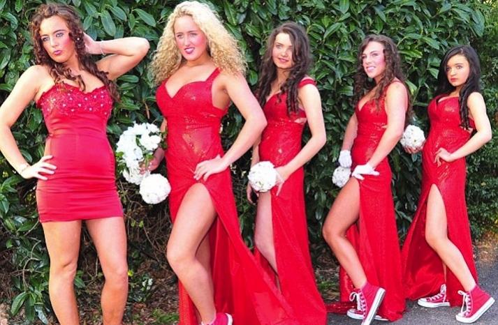 bad bridesmaid style ugly bridal party photos wedding fun trashy red