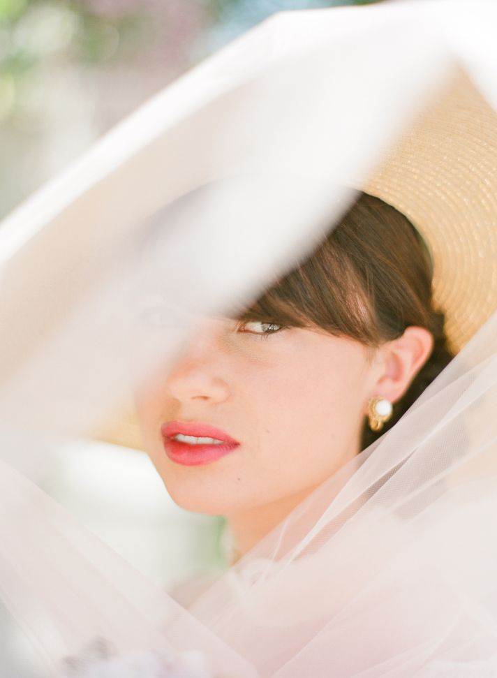 5 wedding day tips for brides touch up lips
