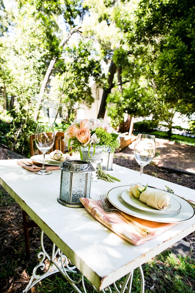 romantic outdoor wedding shoot peach roses sweetheart table