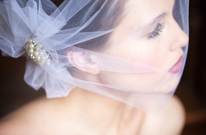retro inspired wedding finds for vintage brides on Etsy tulle bandeau