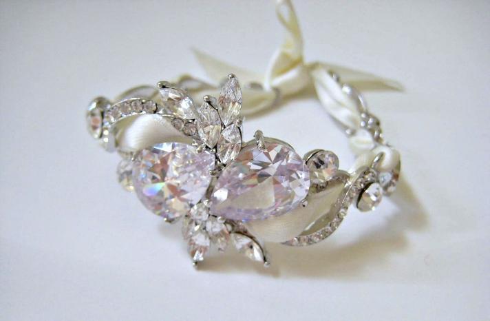 bejeweled bride wedding accessories delicate bracelet