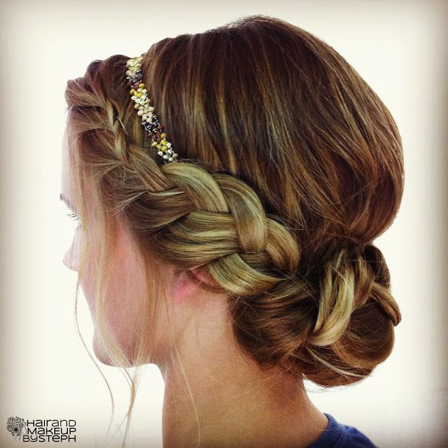 Bridal Inspiration These Bridal Updos Are The Real Deal: Easy, Breezy Beautiful Bridal Updos