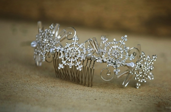Winter Wedding Hair Accessories Rhinestone Snowflake Comb