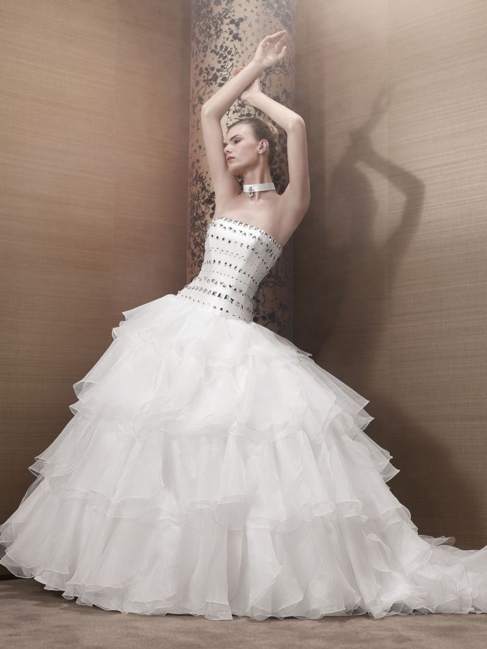 2013 Wedding Dress by Pronuptia Creations kh85