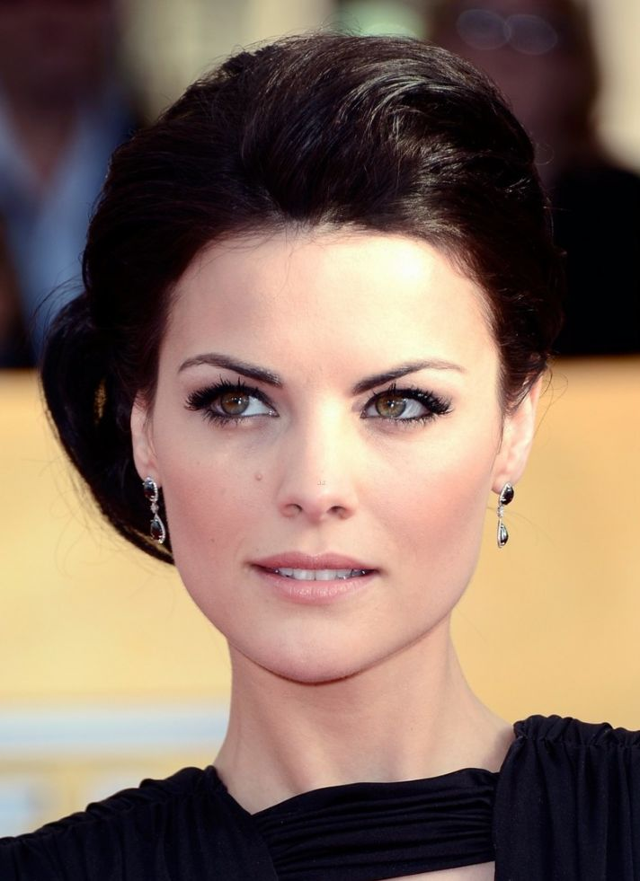 jaimie alexander sag awards 2013 red carpet 02