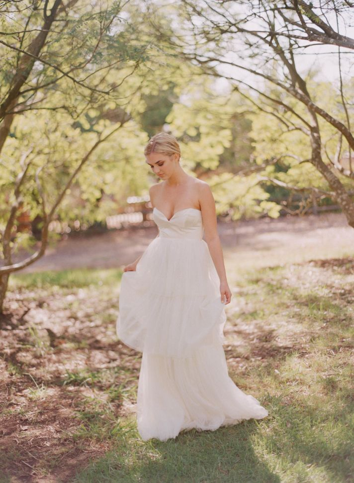 2013 wedding dress with deep sweetheart neckline