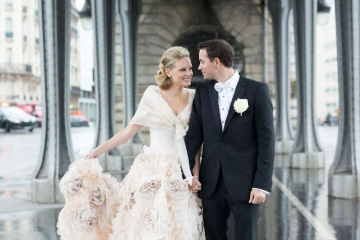 ELegant bride wears barely pink wedding dress