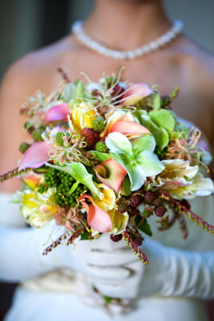Wedding Style Inspiration Classic Tropical Bride 3