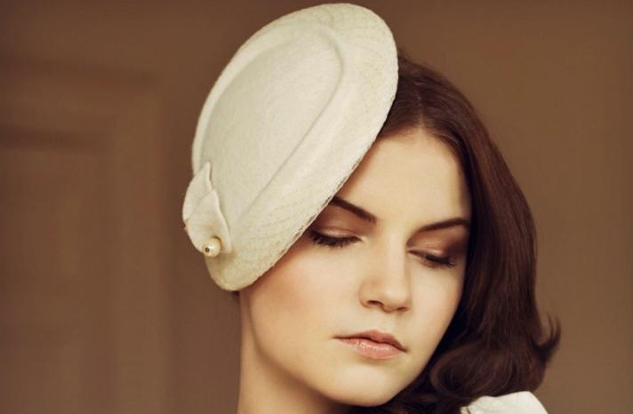 Vintage bride wedding hat elegant ivory