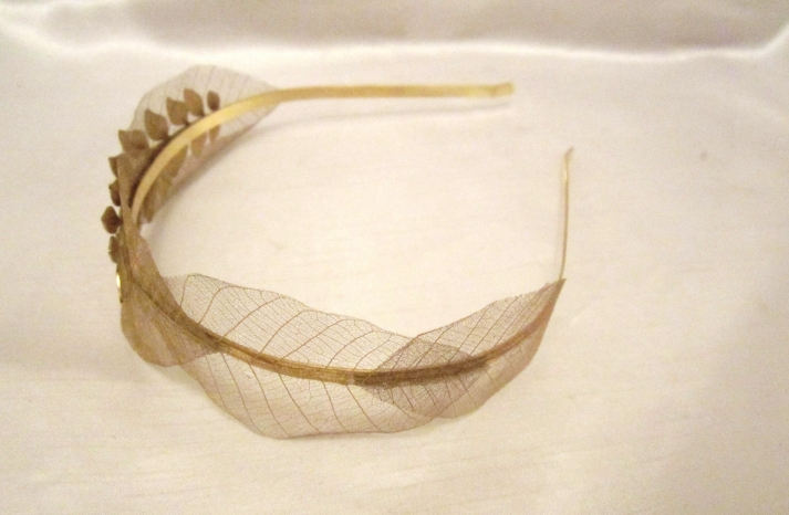 Delicate gold leaf wedding headband
