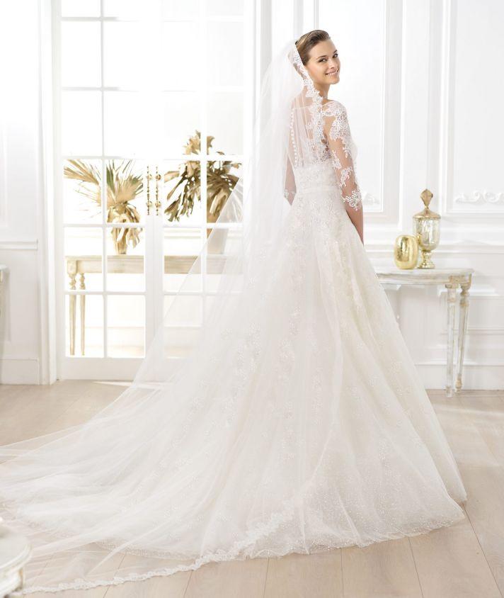 Pronovias wedding dress pre 2014 Glamour bridal collection Lavens