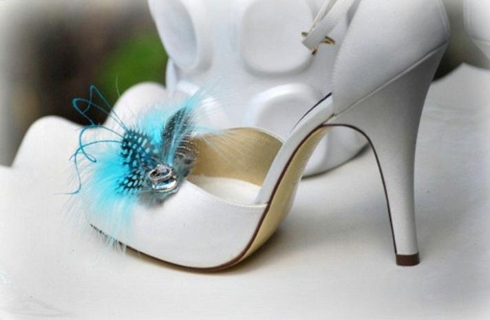 Something blue for budget brides 5